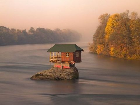 house-on-Drina-River