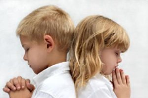 childrenPraying-2