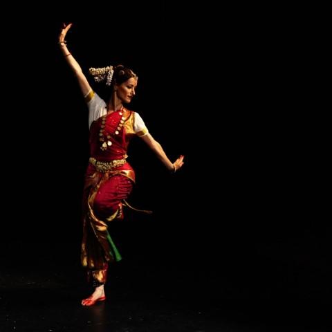28-nataka-bharata-natyam-dance-company
