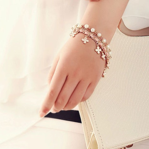 10pcs-Fashion-Summer-Womens-Jewelry-Girls-Beautiful-Four-Leaf-Clover-Leather-Rope-Pearl-Chain-Bracelet-Bangle