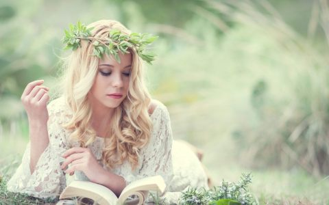 nature-crown-girl-wallpaper